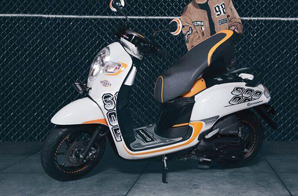 Motor Matic Paling Irit - Honda Scoopy