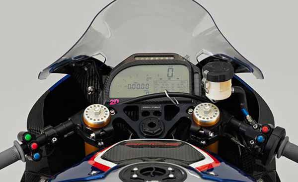 BMW HP4 Race - Dashboard
